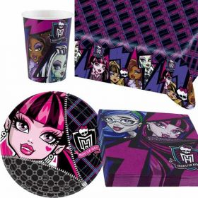 Monster High Party Pack For 8 including tableware and 8 filled party bags